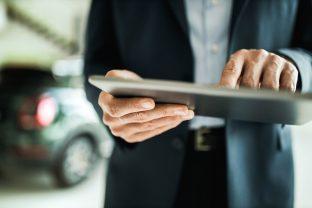 Acquistare un'auto in tempi record: il successo del Web e dei leasing