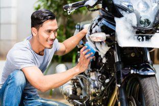Come lavare la sua moto o lo scooter?