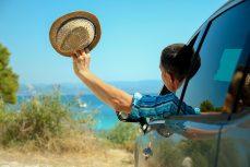 Guidare in estate, contenendo i consumi